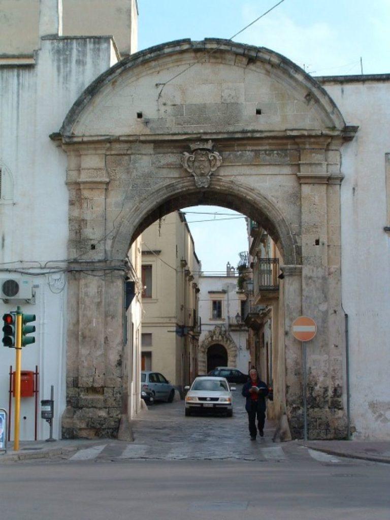 Arco Per Porta galatina/nuovo varco elettronico in città per monitorare